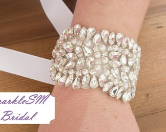 Rhinestone Bridal Bracelet, Bridal Bracelet, Bridesmaid Bracelet, Bridal Beaded Crystal Cuff, Wedding cuff, Bridal Bracelet - Lillian