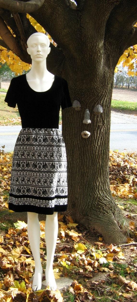 Boho Goth R & K Originals Dress, Black Velvet Bodice w/ Black and White Heraldic Lions and Eagles Tapestry Skirt, Size 12