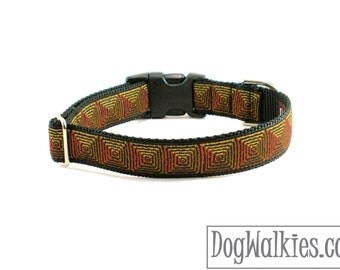 "SALE Pyramids Dog Collar - 1"" (25mm) wide - Side Release or Martingale - Choice of collar style and size - Optical Illusion"