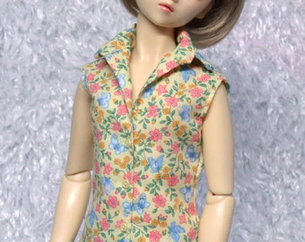 Sleeveless Blouse of a pretty print of flowers and butterflies for Super Dollfie BJD