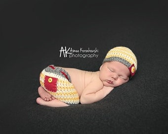 Newborn Striped Hat and Shorts - Button Tab - Photography Prop