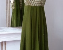 Handmade indian Anarkali dress with matching scarf and pants, green silk chiffon and golden peacock embroderies, size 10/12