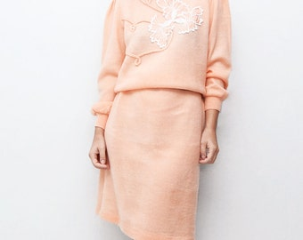 Vintage 80s peach winter maxi dress // jumper sweater