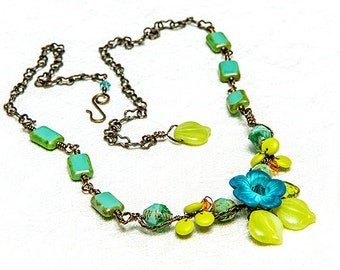 Blue Green Summer Flower Necklace, Beaded Necklace, Nature Jewelry, Leaf Jewelry