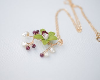Green Cymbidium Orchid and Fresh WaterPearls Garden Bracelet, 14K Gold Filled Chain Necklace