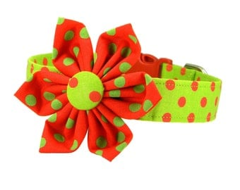 Christmas Dog Collar Flower Set, Red and Green Polka Dot Dog Collar Flower: Christmas Dots