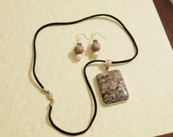 Gustav Necklace and Earring set