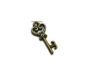 20  pcs Antiqued Brass Key Charms Pendant - P01