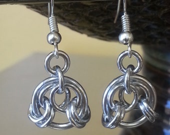 Dainty Chainmaille Knot Earrings