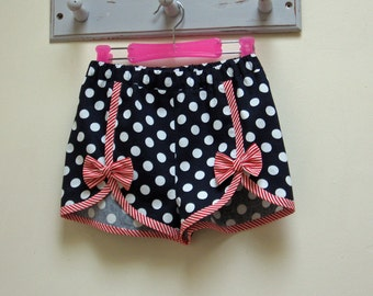 GIRLS SHORTS! Cute shorts sewing pattern, GIDGET shorts  kids shorts pattern to fit girls 2 to 14 years, toddler to teens shorts pattern