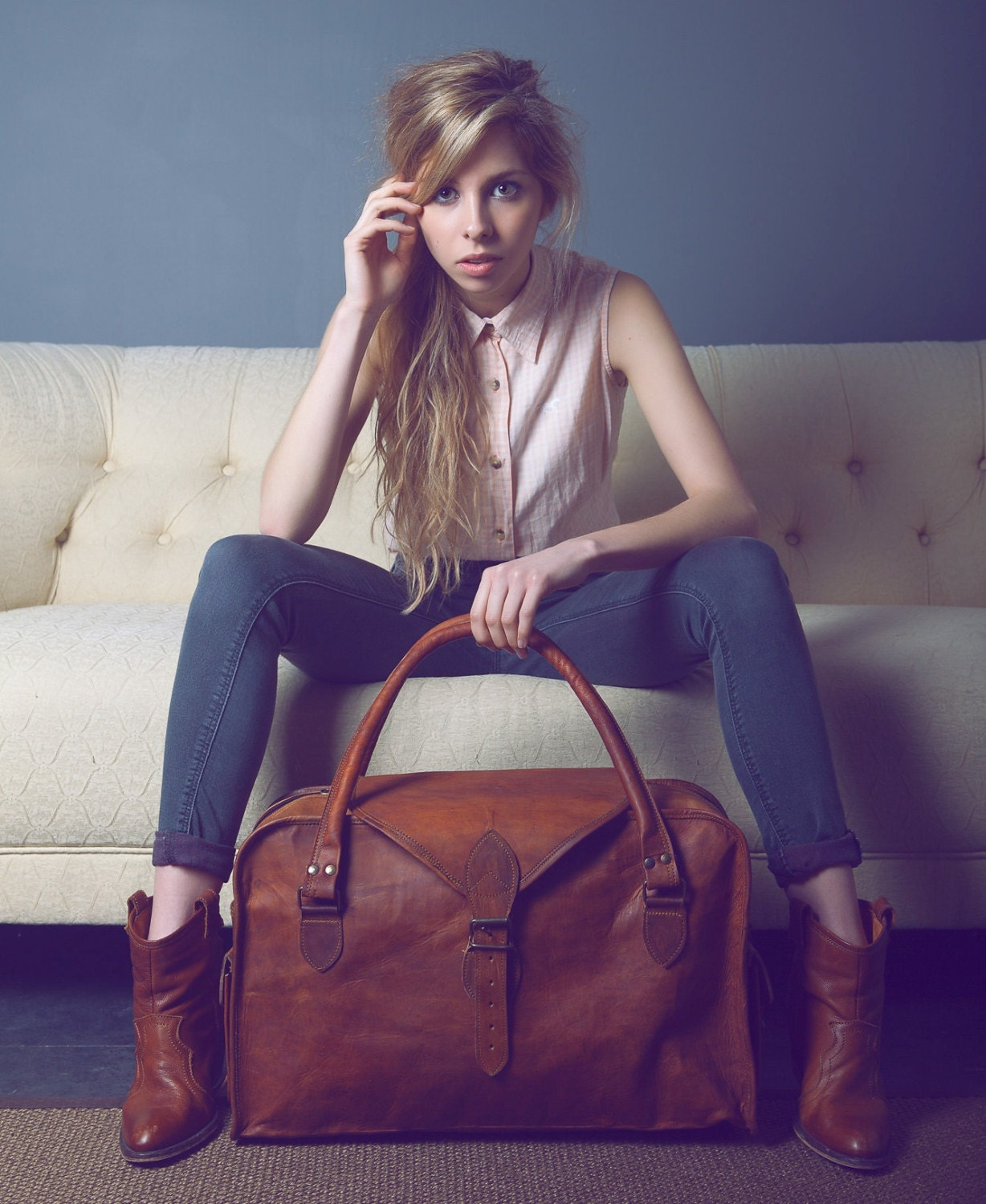 The Vagabond 30: Vintage style brown leather holdall duffel
