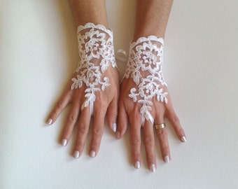 Bridal Gloves, Wedding Gloves, Ivory Lace gloves, Fingerless Gloves, wedding, cuffs, wedding cuffs, bride, bridal gloves, Bridal cuffs 240