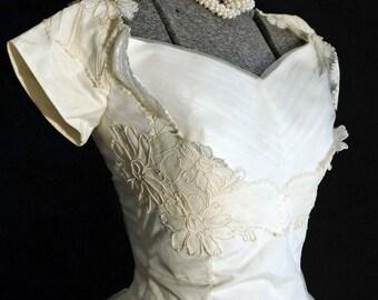 1950s Womens Tulle Lace Wedding Dress Sz 0 Vintage Retro