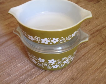 Vintage Pyrex Green Daisy Casserole Dishes  Set of Two with One Lid