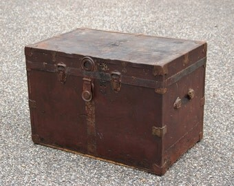 Metal Wrapped Wood Trunk Brass Trim, Antique Wood Storage Chest, Flat Top Steamer Trunk Rustic Farmhouse Industrial Coffee Table Foot Locker