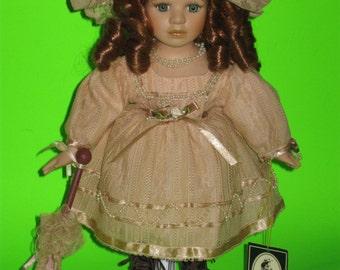 "12"" Tall Geppeddo Doll #12C969 - Green Eyes, Auburn Red Hair, Victorian"