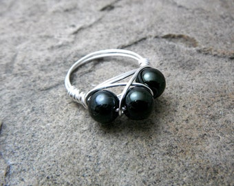 Dark Green Pearl Ring, Wire Wrapped Ring, Cluster Ring, Green Ring, Wire Wrapped Jewelry Handmade, Green Glass Pearl Ring