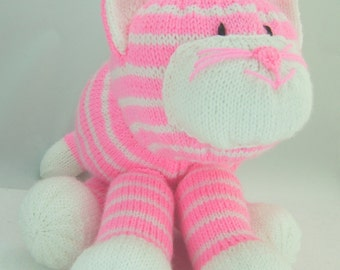 Knitting Pattern. Cuddles the cat soft toy