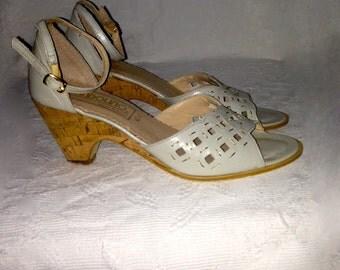 Colour sandals cremate heels cork, year 50.