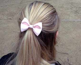 """3.25"""" light pink fabric hair bow clip, pastel pink hair clip, pastel bow, pale pink hair bow, teens hair bow, women hairbows, kids hair clip"""