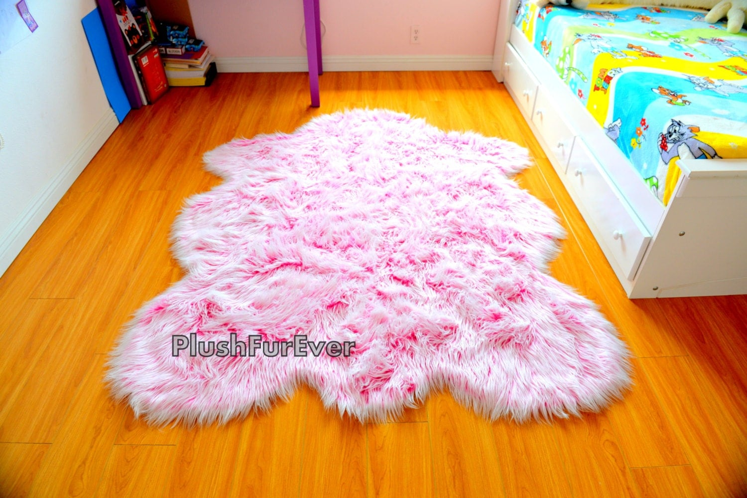 it 39 s a girl rug baby girl nursery rug pink white faux fur. Black Bedroom Furniture Sets. Home Design Ideas