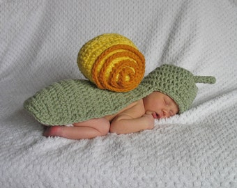 Snail Hat & Cape Set, Ready to Ship,  Newborn, Only 1 Available, Baby Snail Hat and Cape, Newborn Photo Prop, Boy, Girl
