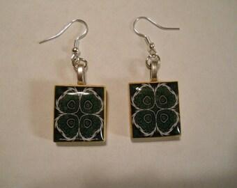 Cloverlike Earrings, Cloverleaf Earrings, Scrabble Earrings, Wire Earrings, Scrabble Tile Jewelry, Cloverleaf Scrabble Earrings,Scrabble