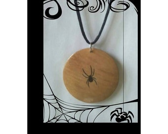 45 mm wooden pendant necklace- Spider