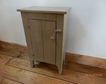 Amish side stand-Can be used as a Side table,Accent table or Night stand