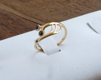 Gold plated Snail ring with 2 Onyx Stones