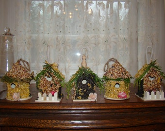 The Lovebird's Cottage - small, edible birdhouse.