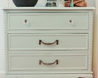 SOLD/SOLD * chest of drawers french provincial style