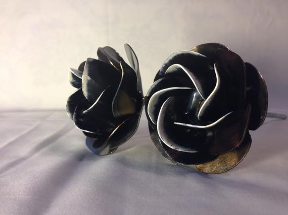 2 Varathane Metal Handcrafted Frost Tipped Roses: SPECIAL DEAL! Save 20 dollars!!