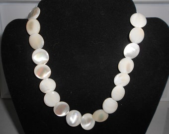 Vintage Mother of pearl button bead necklace