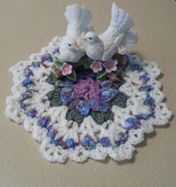 Home decor, crochet table topper, table topper, handmade doily, crochet doily, crochet centerpiece, crochet dollies, Grandma gift idea