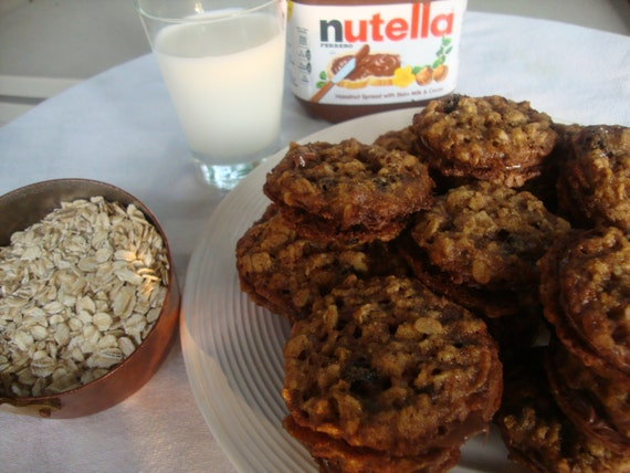 Oatmeal & Currant Lace Cookies with Nutella® filling by GigisTable