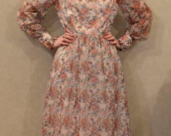 Amazing  Vintage 1970's Floral Dress