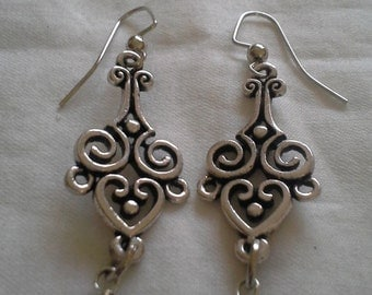 Vintage Inspired Antique Silver Brass With Glass Pearls E 147