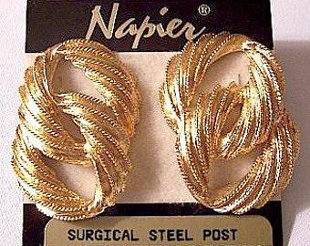 Napier Double Link Pierced Earrings Gold Tone Vintage Large Brushed Bead Ridged Swirl Dangles