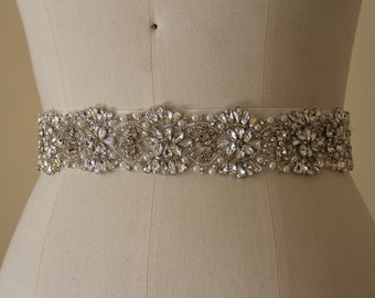 All around Bridal Belt,  Bridal Accessory made of Crystal Rhinestones and Pearls, Bridal Sash, Crystal Wedding Belt.
