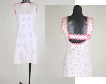 60s Pink & White Polka Dot Dress with Daisy Trim and Open Back XS