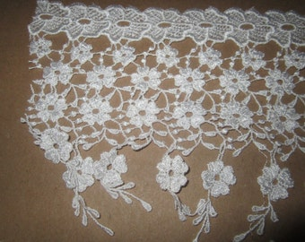 Venice Lace With Dangles