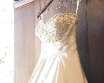 Wedding Dress, Wedding Dress Hanger, Personalized Bridal Hanger, Custom Wire Name Hanger, Bridal Gift