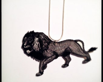 Majestic Leo the Lion Illustration Pendant Necklace