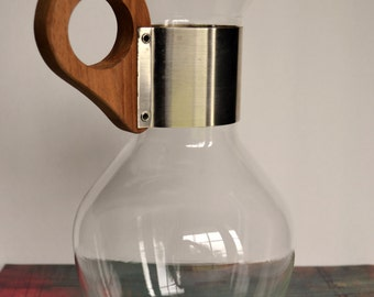 Corning Ware Glass Carafe With Wood Handle