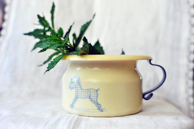 Pot de chambre celluloid vintage cellulo d pot de chambre de - Pot de chambre antique ...