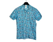 Vintage 1970's LES 3 LORDS Psychedelic Short Sleeves M Medium Turquoise Medaillon Design