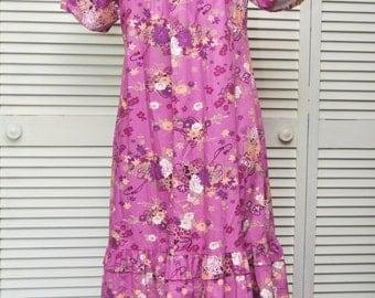 Vintage Womens Hawaiian Dress/Caftan/Lavender Purple/70s Moo Moo/Floral Print/3/4 Length/RM Hawaii USA/A Line/Lounge Wear Medium Costume