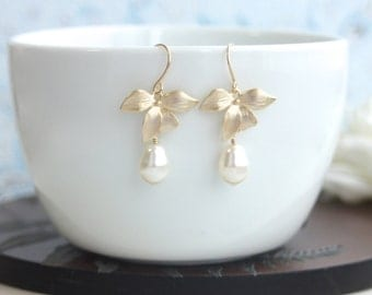 Gold Bridal Earrings Gold Flower Earrings, Gold Orchid Earrings Gold Ivory Pearl Earrings. Bridesmaid Gift Gold Wedding Pearl Flower Wedding