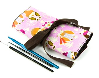 Crochet Hook Case  - Snowy Owls with brown pockets